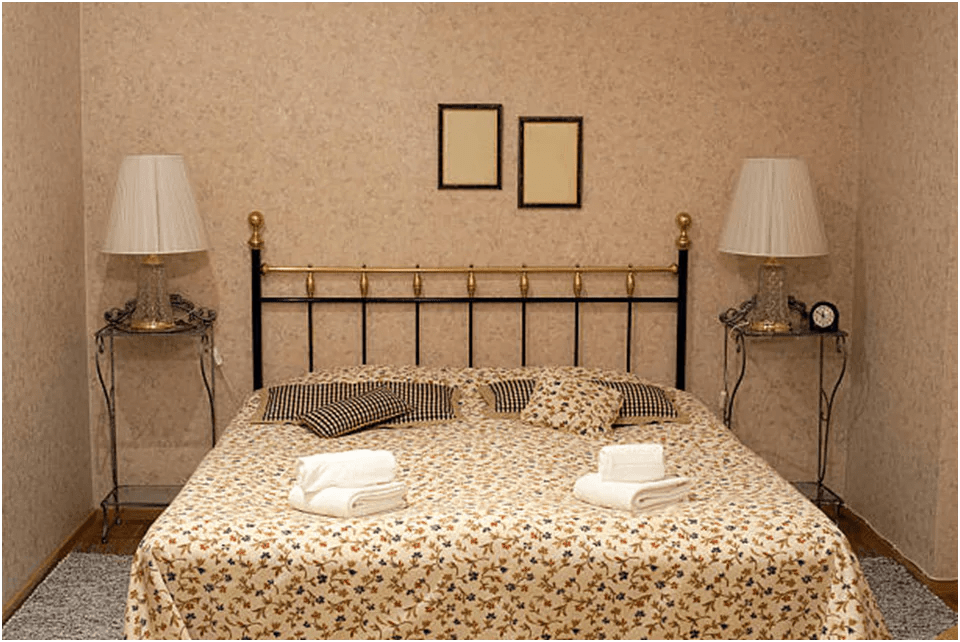 HOW TO MAKE YOUR BEDROOM BEAUTIFUL WITH DOUBLE BEDSHEETS?