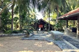 Mamboz Beach main house