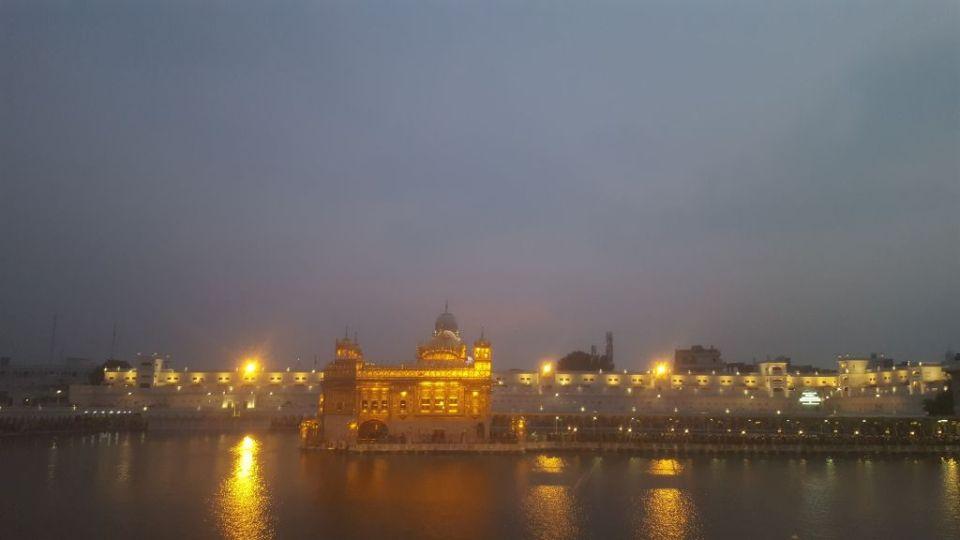 alleinreisende Frau Indien Amritsar