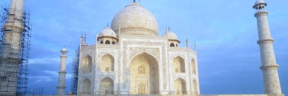 3… 2… 1… Meins! Der frühe Vogel im Taj Mahal! #collectmomentsnotthings