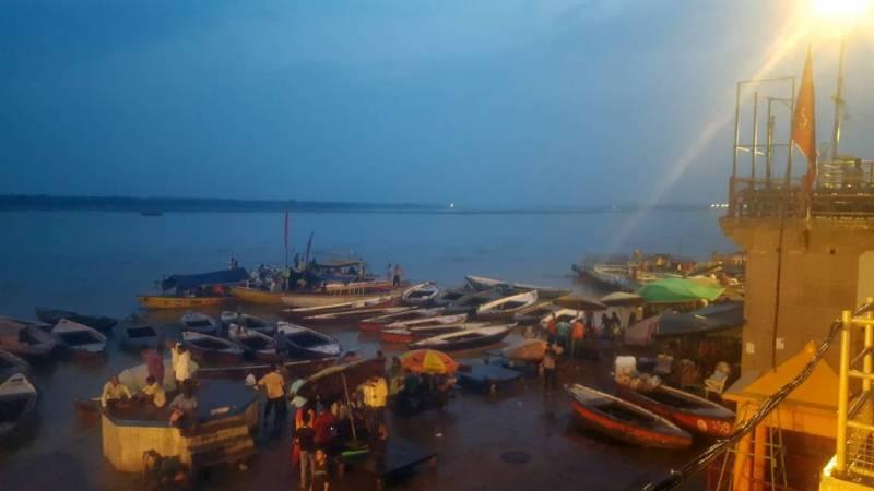 Varanasi alleinreisende Frau Indien