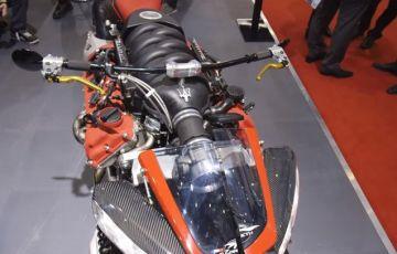 マセラティV8エンジンを積んだバイク!エンジンの魅せ方が素敵!