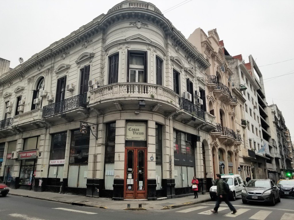 Photo of Avenida de Mayo by Ana Astri-O'Reilly