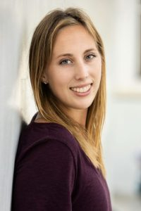 Head shot of freelance travel writer Jessica Barrett.