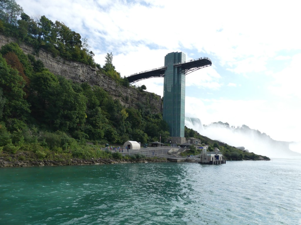 Observation tower and boarding for Maid of the Mist. Photo: Kathleen Walls