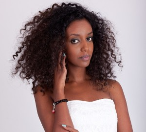 how to define curls in kinky curly or deep wave hair extensions world hair extensions