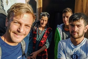 tajikistan family at pamir highway