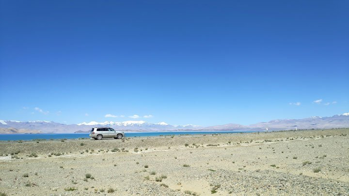 lake karakul in tajikistan