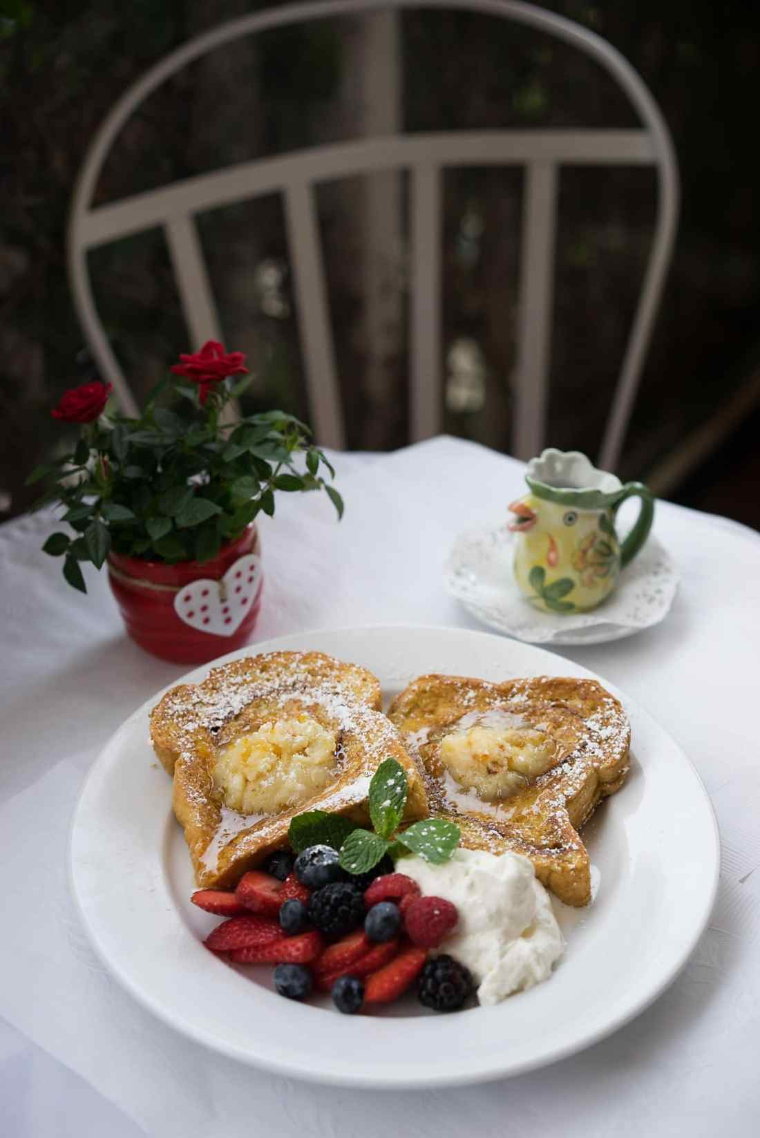 Redhouse Cafe One of 5 California Hot Spots for Foodies