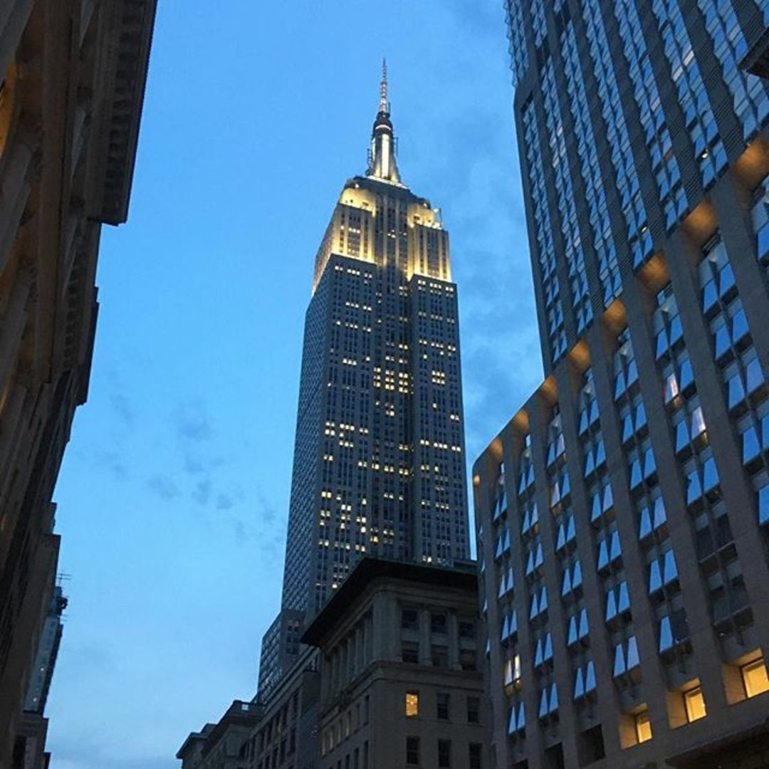 World In Four Days | 10 Of The Best Touristy Things To Do In New York Empire State Building