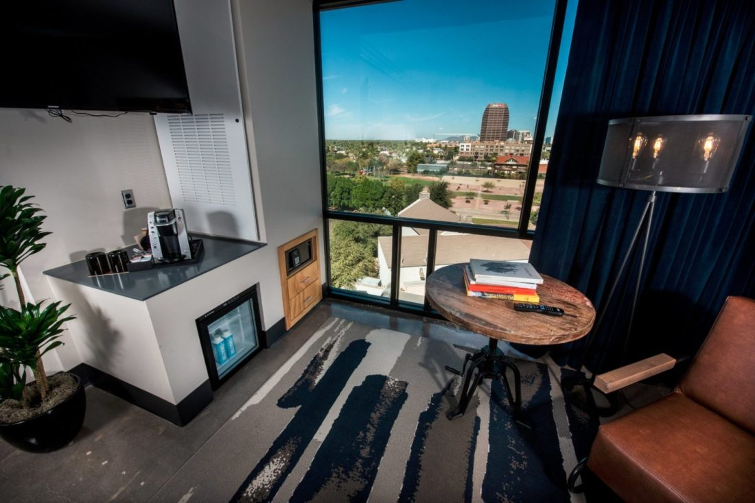 downtown phoenix hotels