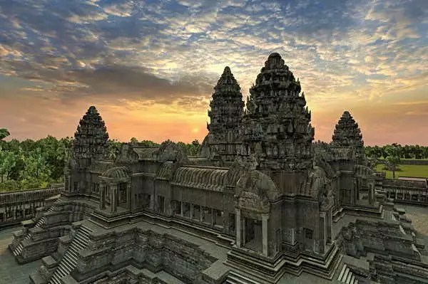10 Most Amazing Temples in the World  World inside pictures