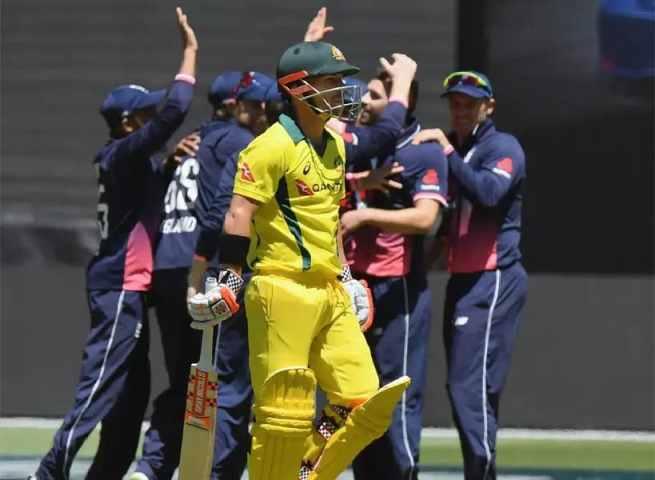 England Take On The Aussies