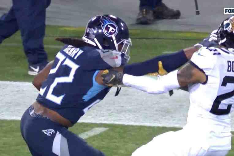 Titans Jags Stiff Arm