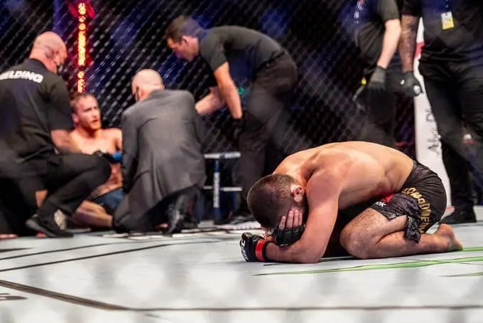 Khabib Nurmagomedov in tears after beating Justin Gaethje