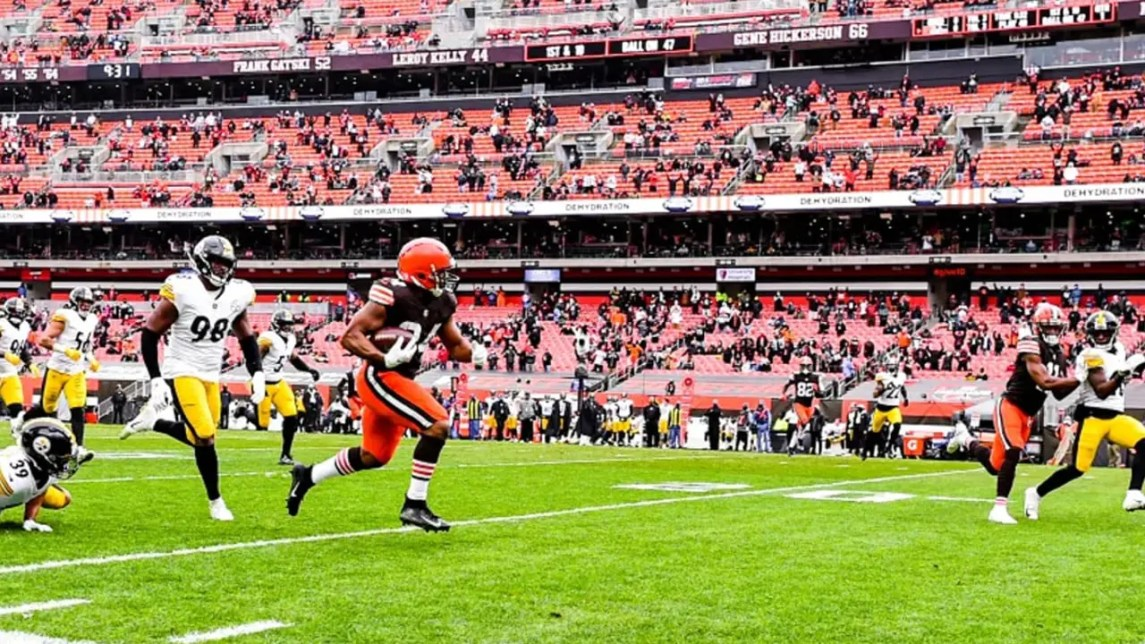 Nick Chubb Breaks Away On A 47 Yard Touchdown Run Allowing Cleveland To Draw First Blood