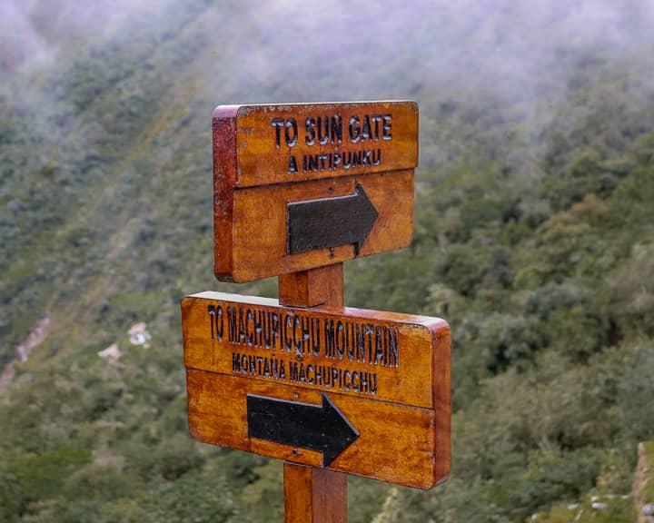 machu picchu to sun gate sign