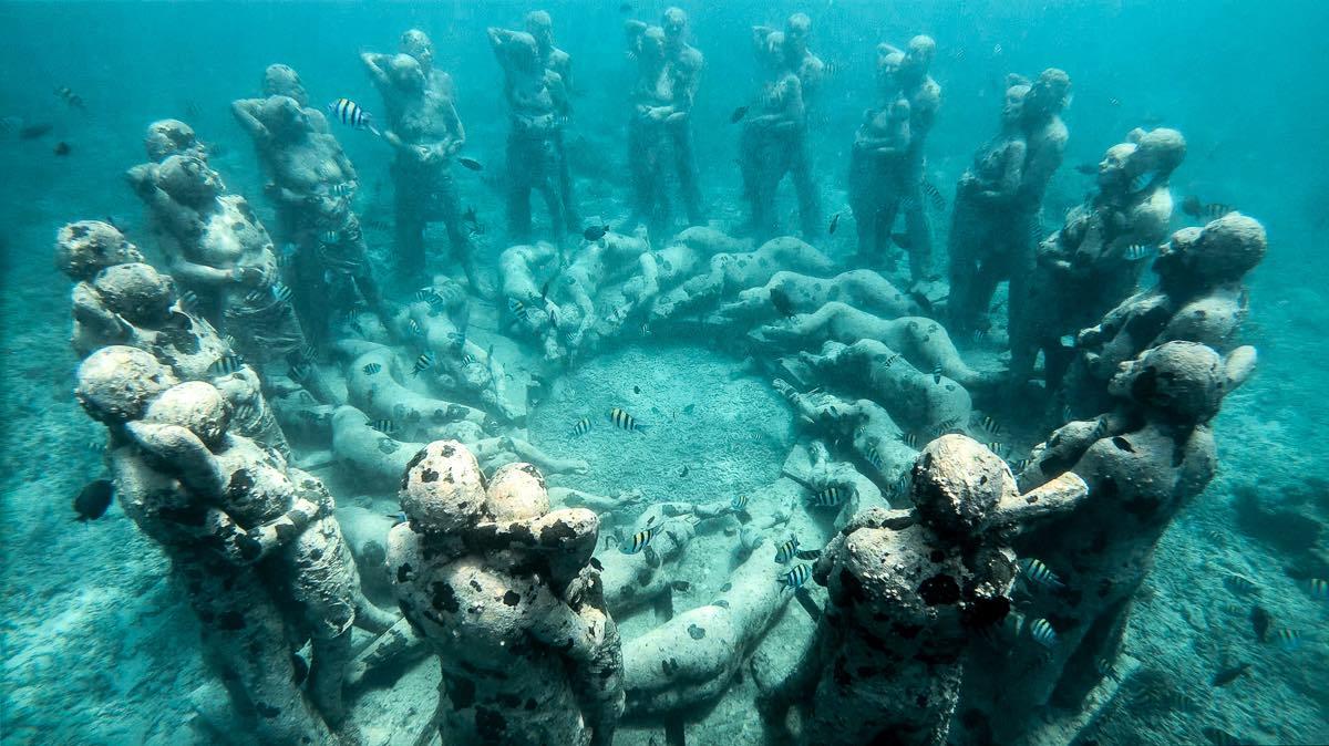 Underwater Sculpture Park - 1200 16x9 copy