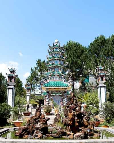 Visit Linh Son Buddhist Temple