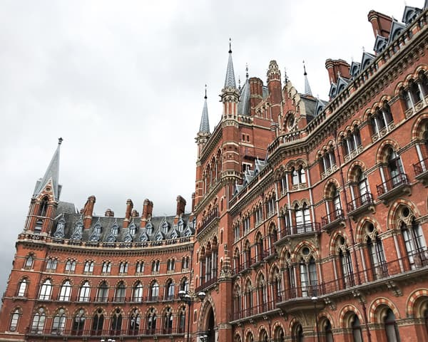 Free Things to do in London Harry Potter Tour - St Pancras Kings Cross