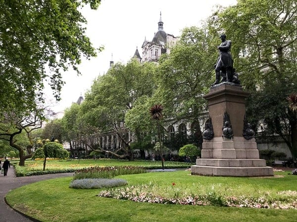 Budget Guide London Free things to do - Whitehall Gardens