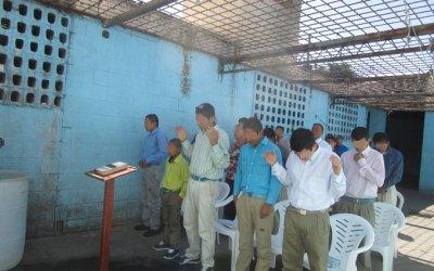 Superando Obstaculos en San Salvador y Guatemala