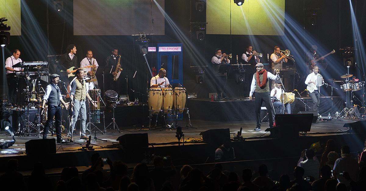 Juan Luis Guerra and 440 in Toronto 05