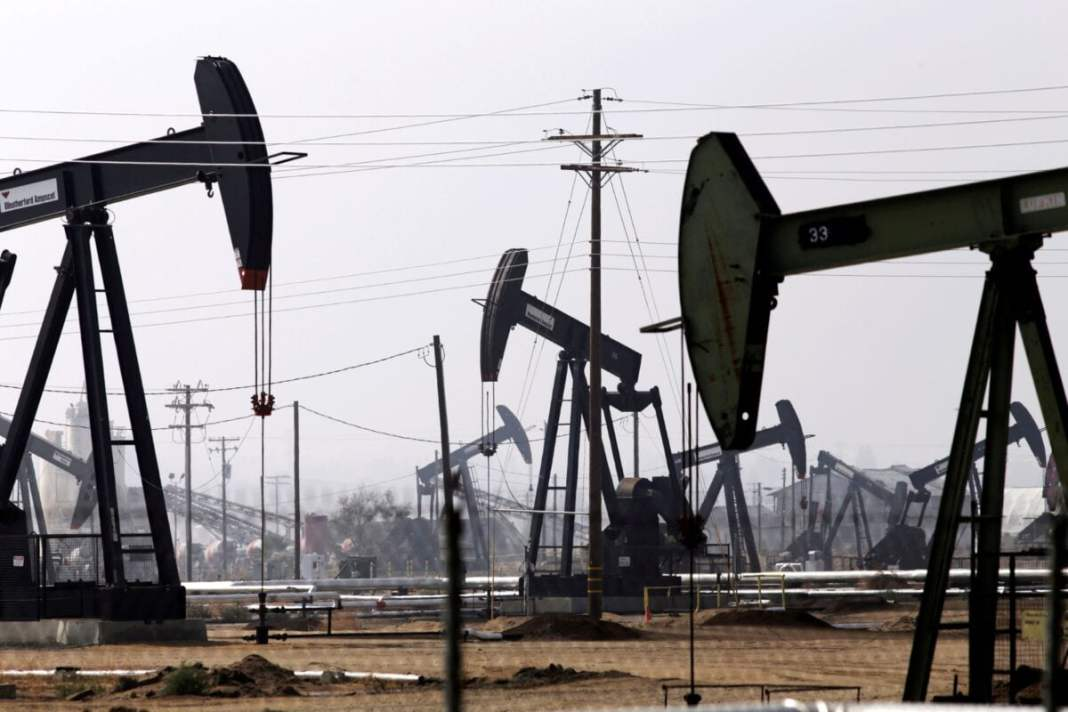 Oil gain for the fifth day in the supply constraint
