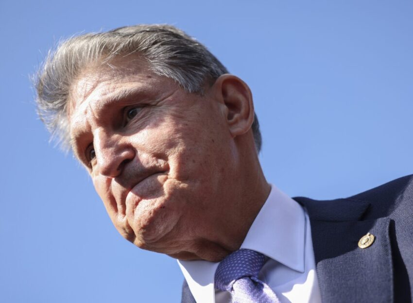 Manchin says the United States will not default before the W ceiling vote