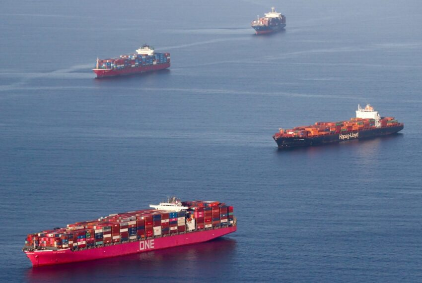 Oil spill: Representative Michelle Steele calls for a ban on ships anchored in Orange County