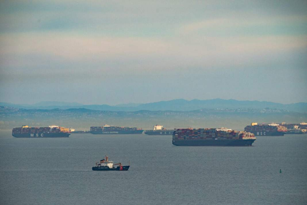 The Covid-1 Pand epidemic lockdown has caused a jam in the port of California