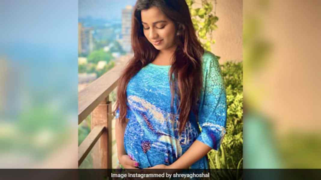 Shreya Ghoshals Welcome Cake For Her Baby Boy Is Giving Us Cravings