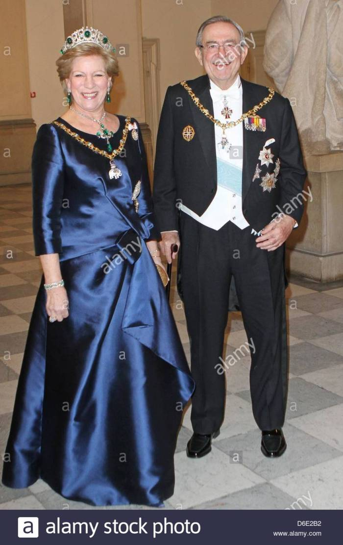 former-king-constantine-ii-of-greece-his-wife-anne-marie-arrive-for-D6E2B2