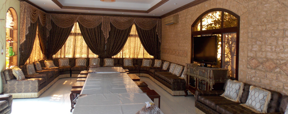 how to install curtains like the professional curtain fitters in dubai