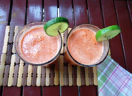 Carrot and honey juice