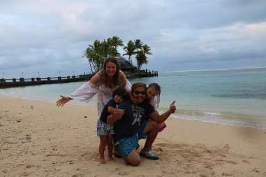 Family photos with a tripod at the Warrick Resort Fiji