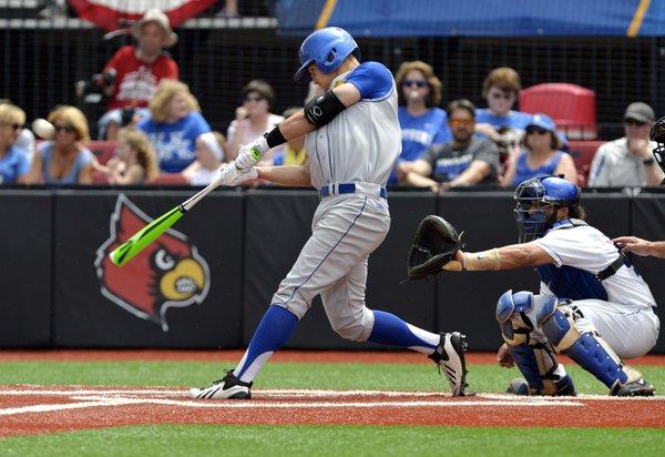 No More Waiting Kansas Baseball Beats Kentucky 10 6 At