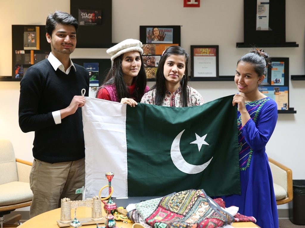 10 Public Health Scholarships for Pakistan Students 2020