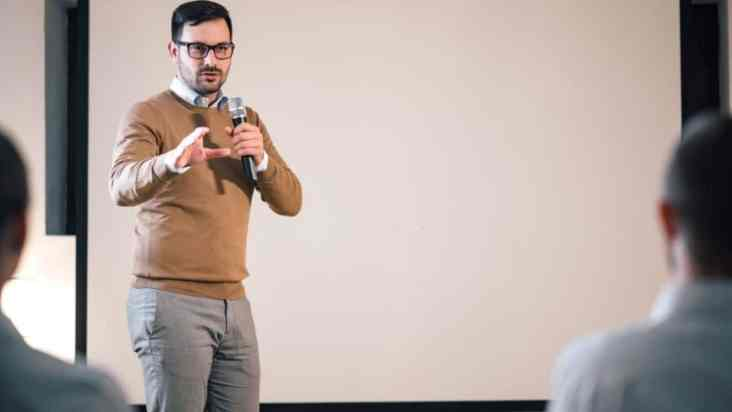 How to Become a Motivational Speaker in less time