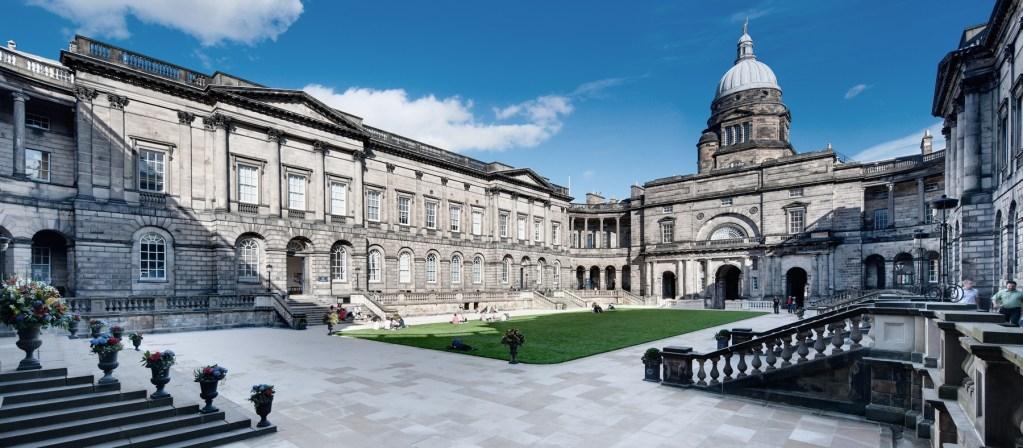 Universidad de Edimburgo: cursos, matrícula, clasificaciones, trabajos y admisión