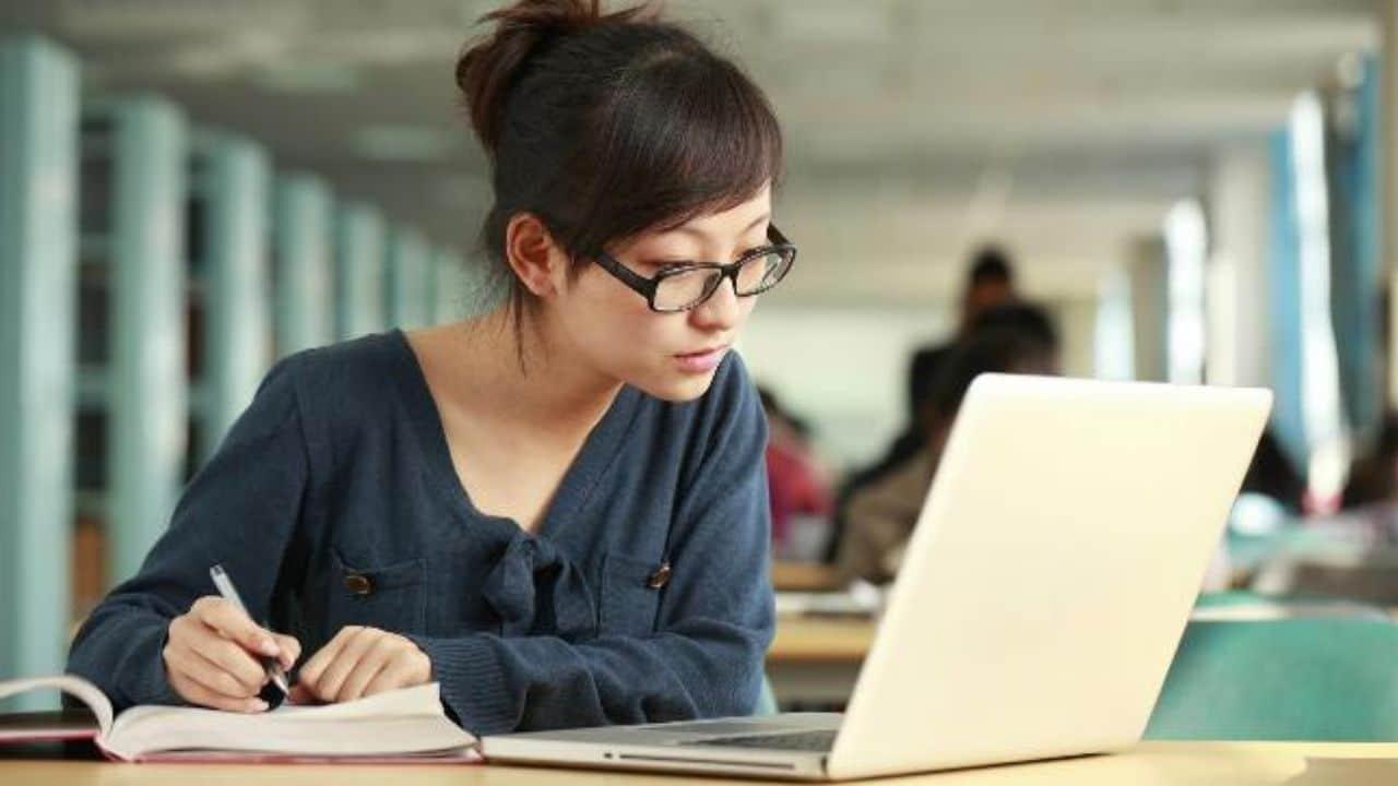 opțiuni curs complet pentru profesioniști 2020)