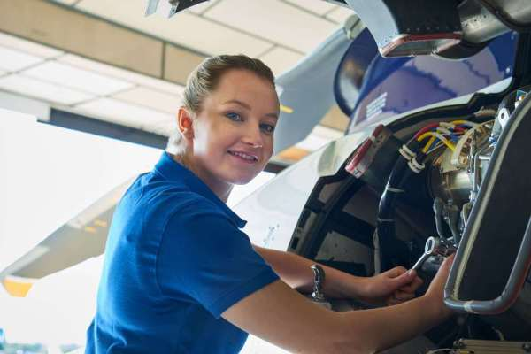 Differences & Similarities Between Aerospace Engineer And Operations Technician