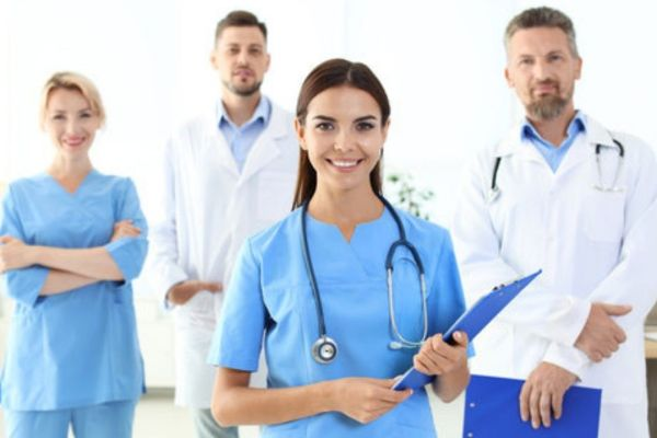 Physician Assistant Vs Doctor: Differences, Similarities, Best Career Advice