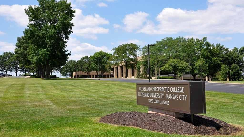 Admisión a Cleveland Chiropractic College, programas, matrícula, clasificación, becas
