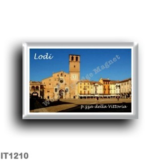 IT1210 Europe - Italy - Lombardy - Lodi - Piazza della Vittoria