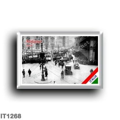 IT1268 Europe - Italy - Lombardy - Milan - Piazza Duomo 1926