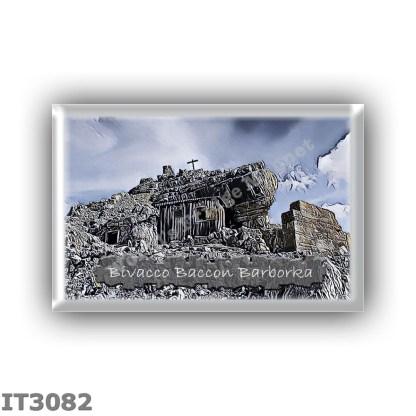 IT3082 Europe - Italy - Dolomites - Group Fanes-Braies - alpine hut Bivacco Baccon Barborka - locality Cima Furcia Rossa - seats