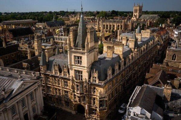 イギリス 大学