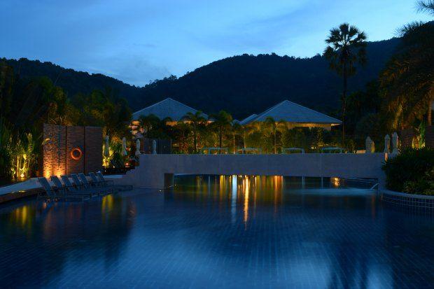 Novotel Phuket Karon Beach Pool