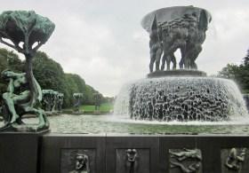 Im Park stehen über 200 Skulpturen des Bildhauers Vigeland